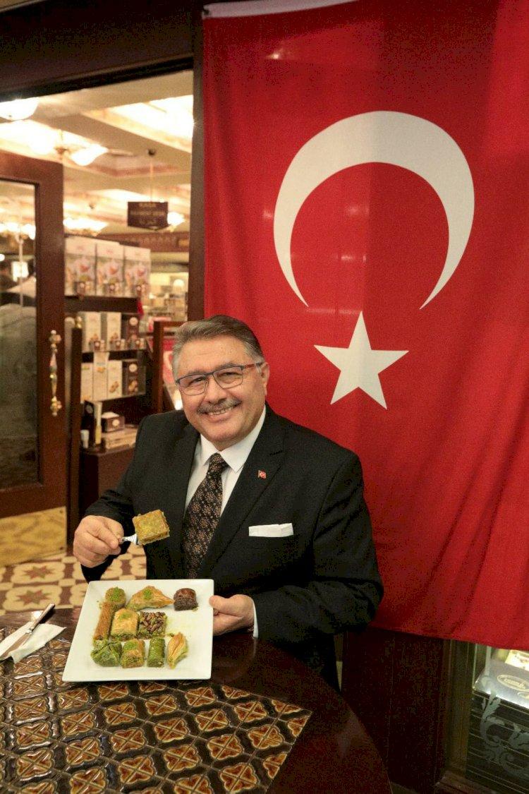 Türkiye'nin Gurur Markası Karaköy Güllüoğlu